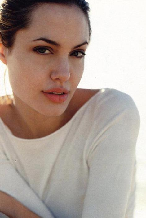 Angelina Jolie Summary  Film Actresses-9952