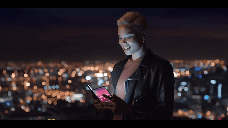 Samsung Vietnam teases foldable tablet/smartphone
