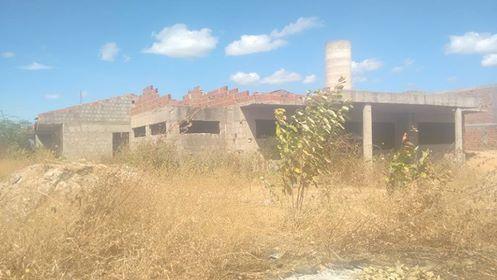 Resultado de imagem para creche do mourãozão em Nova Russas abandonada