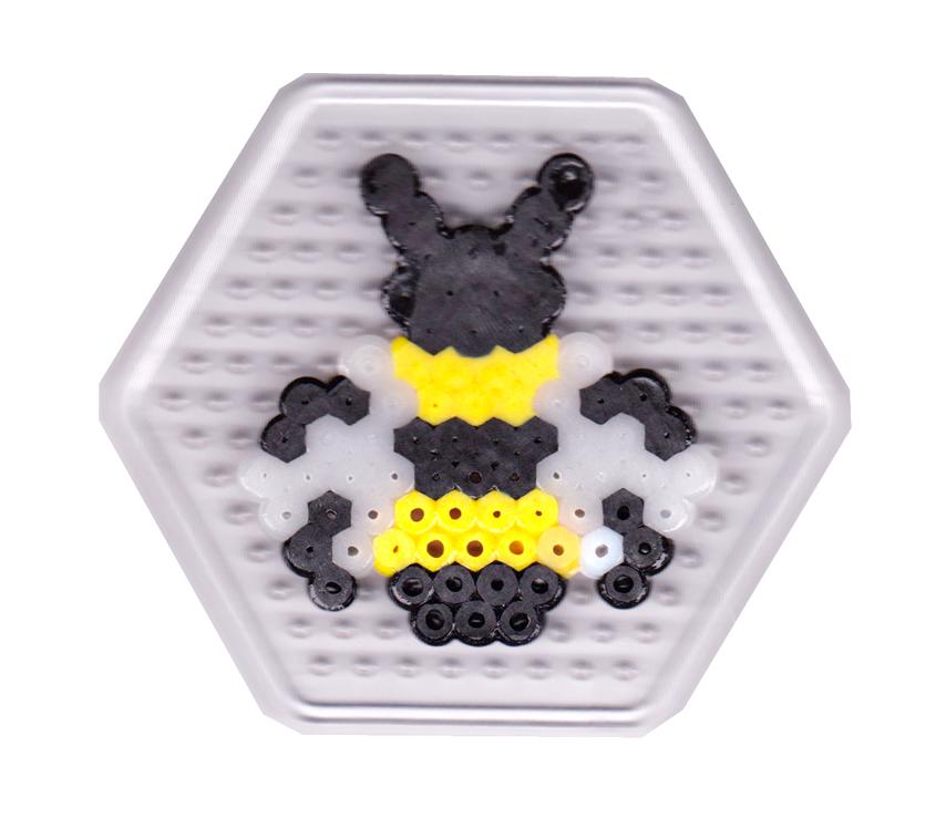 schaeresteipapier mobile mit biene und hexagon. Black Bedroom Furniture Sets. Home Design Ideas
