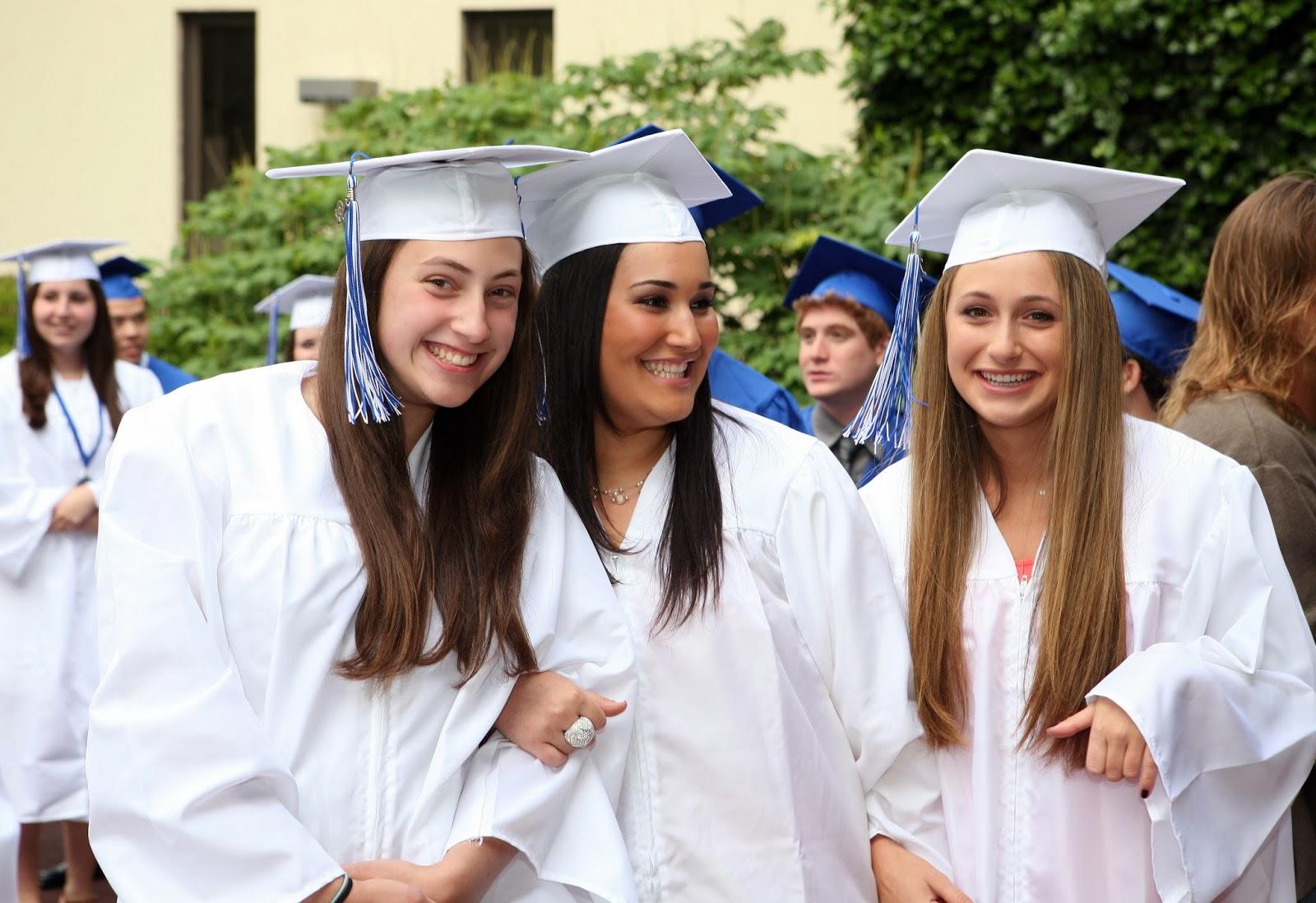 Park Ha Suns Charming College Graduation Pictures
