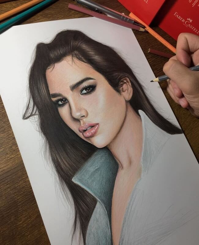 11-Amy-Winehouse-Samuel-Ulysses-Celebrity-Portraits-in-Pencil-www-designstack-co
