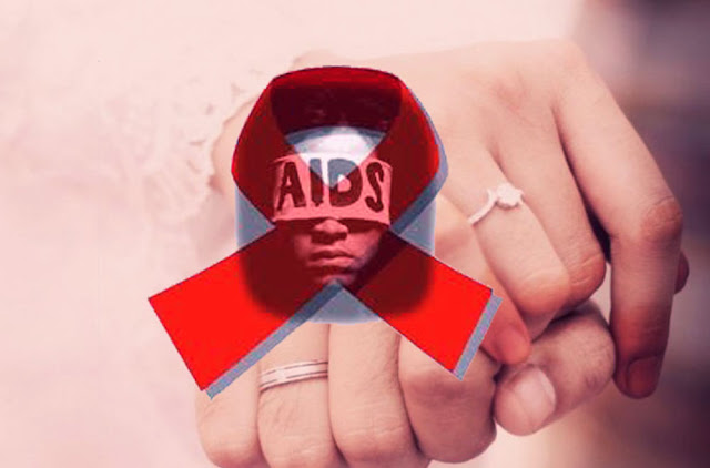 Penyebaran penyakit HIV di Kota Banjarbaru, Kalimantan Selatan kian meresahkan. Betapa tidak, setiap pekan Komisi Penanggulangan AIDS (KPA) Kota Banjarbaru menyebut selalu ada satu penderita HIV bertambah. Ironisnya, pekan ini ditemukan pada calon pengantin.  Hampir setiap bulan KPA Kota Banjarbaru menemukan sedikitnya 10 penderita HIV di kota Banjarbaru. Fakta ini menunjukkan penderita HIV di Kota Banjarbaru cukup banyak. Tidak main-main, Kementerian Kesehatan memprediksi ada 800 penderita HIV di Kota Banjarbaru. Dan hingga saat ini baru 159 penderita yang terdeteksi.