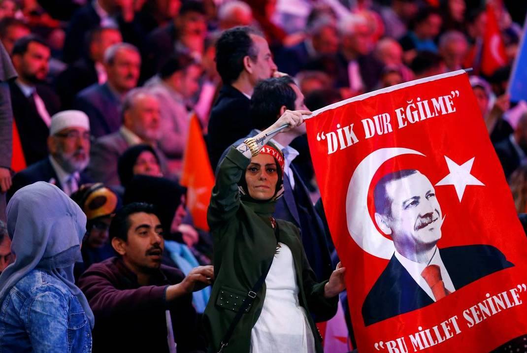 Τουρκία: Κλείνει τις σχολές Γαλλικής Φιλολογίας ο Ερντογάν