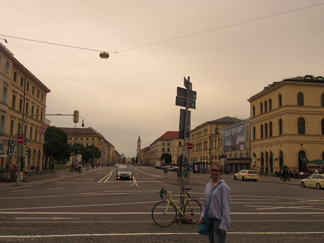 Ludwigstrasse vista da Odeonsplatz Hitler O que ver em Munique