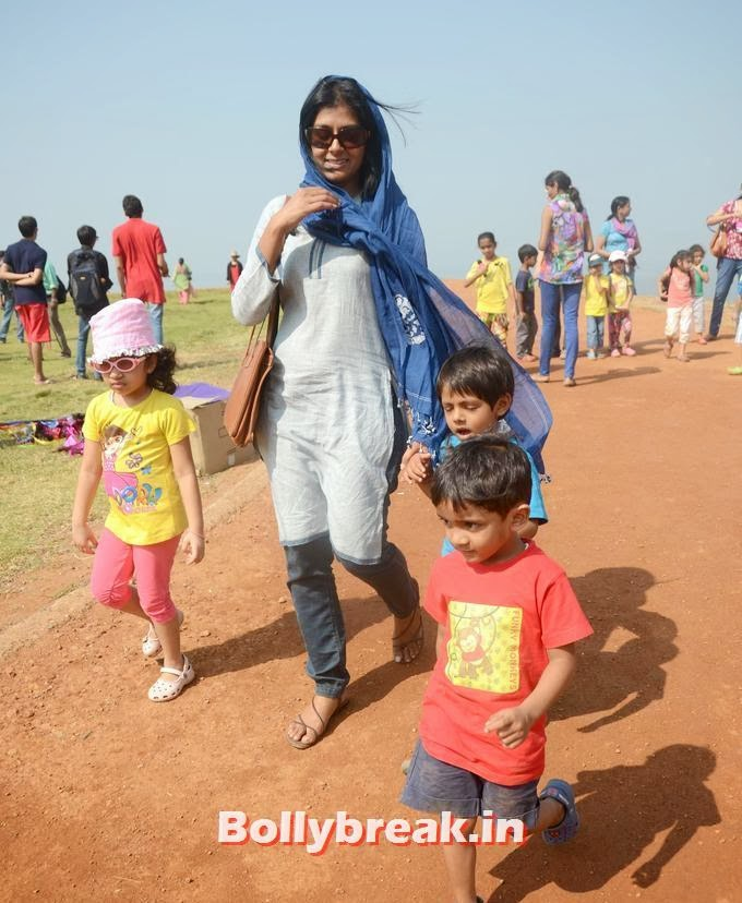 Nandita Das, Nandita Das at 26th edition of International Kite Festival Photos, Nandita Das at 26th edition of International Kite Festival