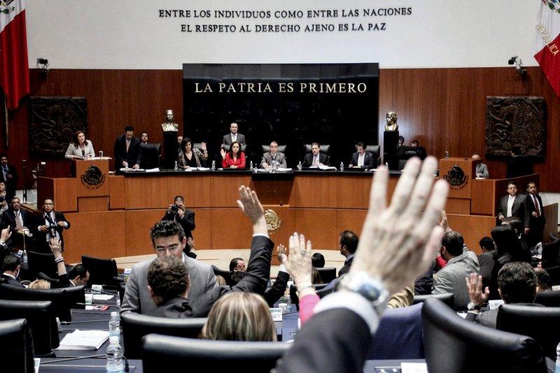 Sindicato del Senado pide 2.2 mdp para fiesta de aniversario, sin importar plan de austeridad.
