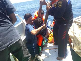 Temukan  Korban KMP Bandeng, Kapal Patroli KN. 375 Tidore Milik UPP Soa Sio