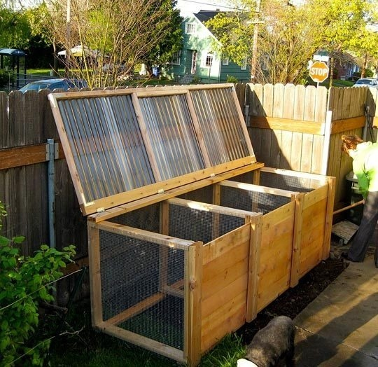 DESIGN BY NATURE: THE MOST BEAUTIFUL COMPOST BIN I HAVE