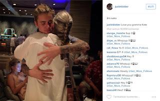 Justin Memeluk Wanita, Apakah Dia Pengganti Selena Gomez?