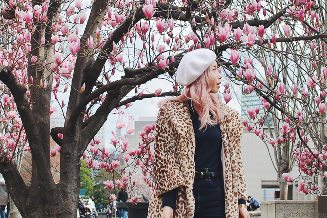 Japanece fashion blogger MizuhoK,20180318OOTD,Leopard coat,UNIQLO-navy blue turtle neck,GU-jeans,Tabio-yellow green socks,vonBraun-oxford shoes,H&M-beret,menui-basket bag,Scarf-HERMES(BRIDES de GALA),NIXON-watch
