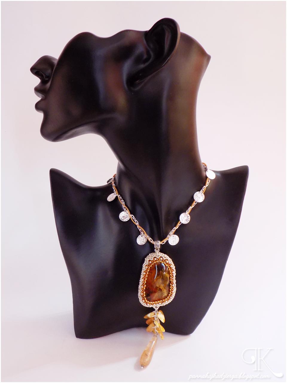 bursztyn, amber, kwarc, peyote, wisior, pendant, Kalisz, Calisia, toho, beads, beadweaving