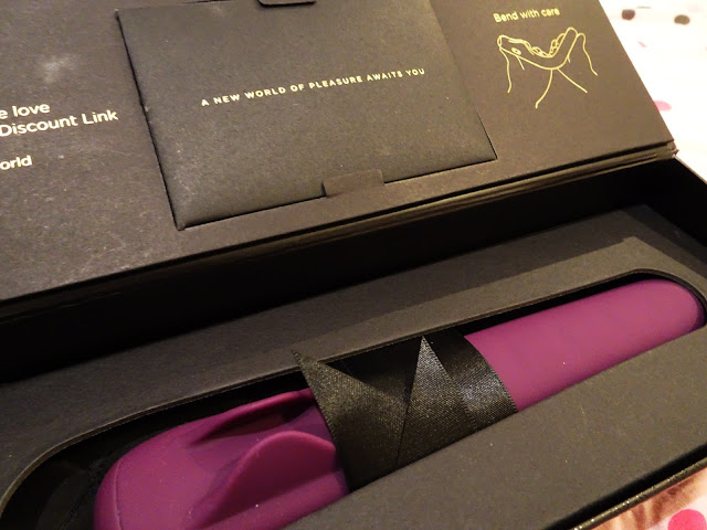 Mysteryvibe Crescendo - purple vibrator in black case