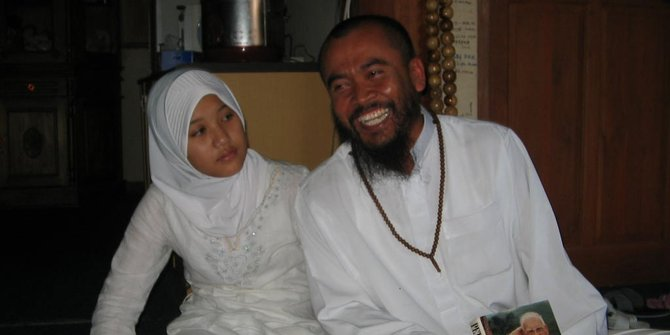 Lima-Pernikahan-Beda-Usia-Paling-Heboh-di-Indonesia