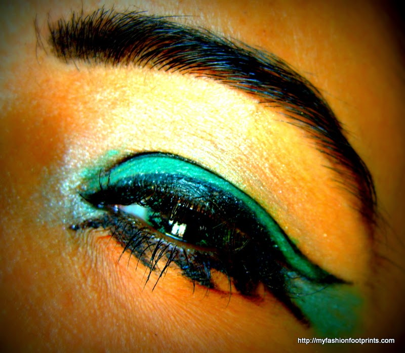 Green Winged eye makeup