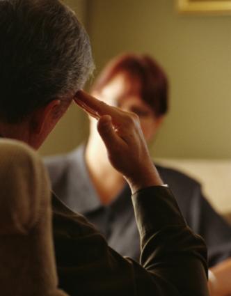 Na Psicoterapia, isso é comum e que é um sinal de que você tem uma relação de confiança e segurança comigo.
