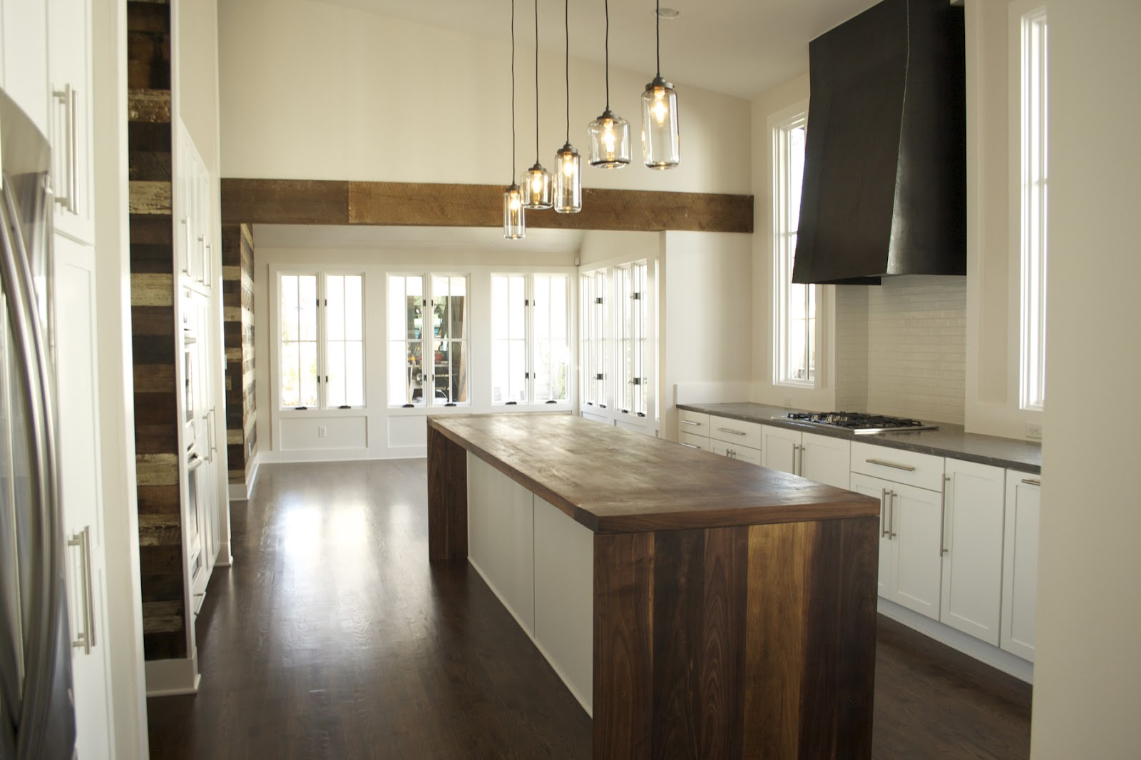 reclaimed wood kitchen island home restyler wood glorious wood using wood in your 719