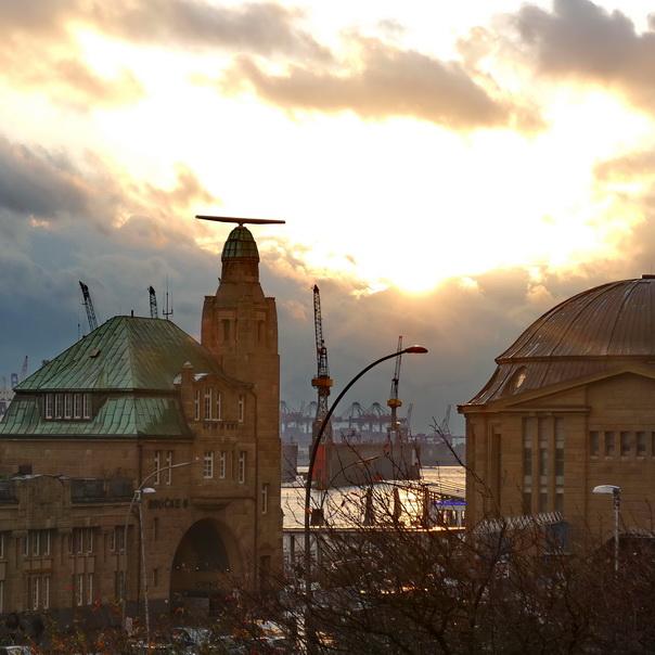 Hamburg, Hafen, Hafenkran, Kran, Kräne, Sonnenuntergang, Landungsstege