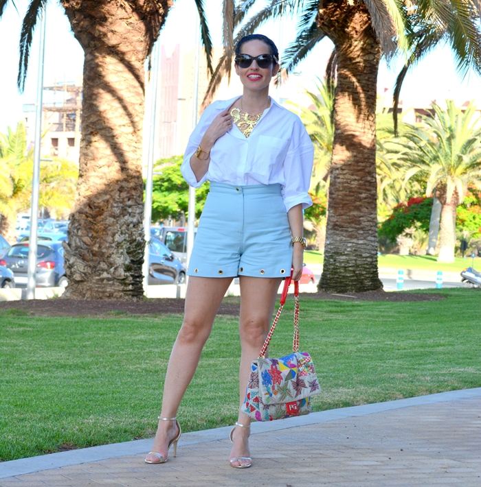 blue-shorts-aurelia-gil-white-zara-shirt