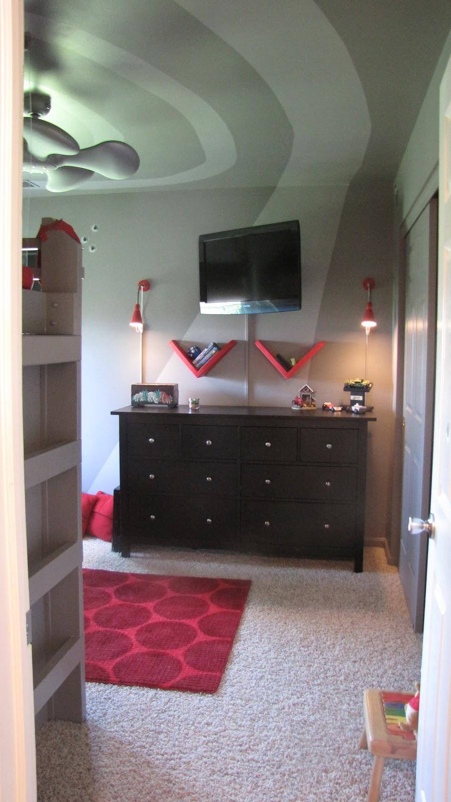 Home girl decor tween spy room - 10 by 10 room ...