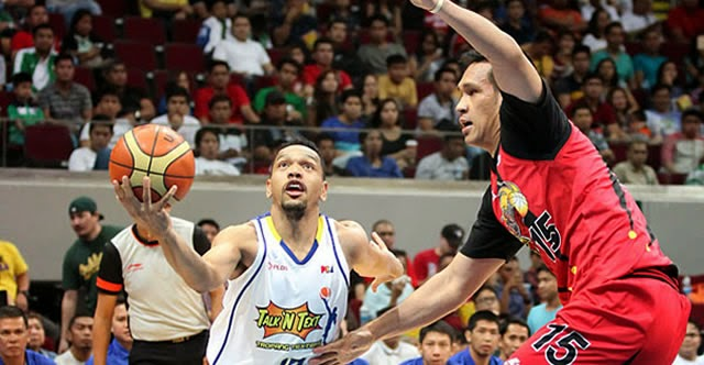 Jayson Castro (left) - Junemar Fajardo (right)