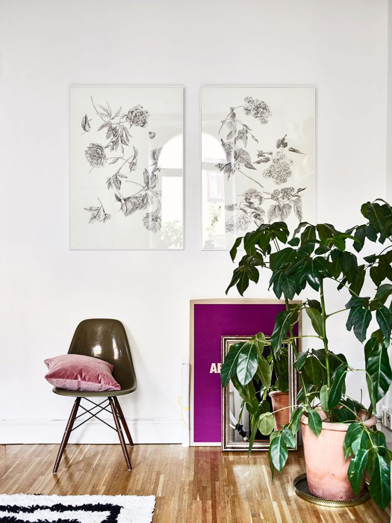 ... are the main colors in her Stockholm apartment that she shares with her  daughter Luca. Amelia's home is a wonderful combination of chic and cozy  design.