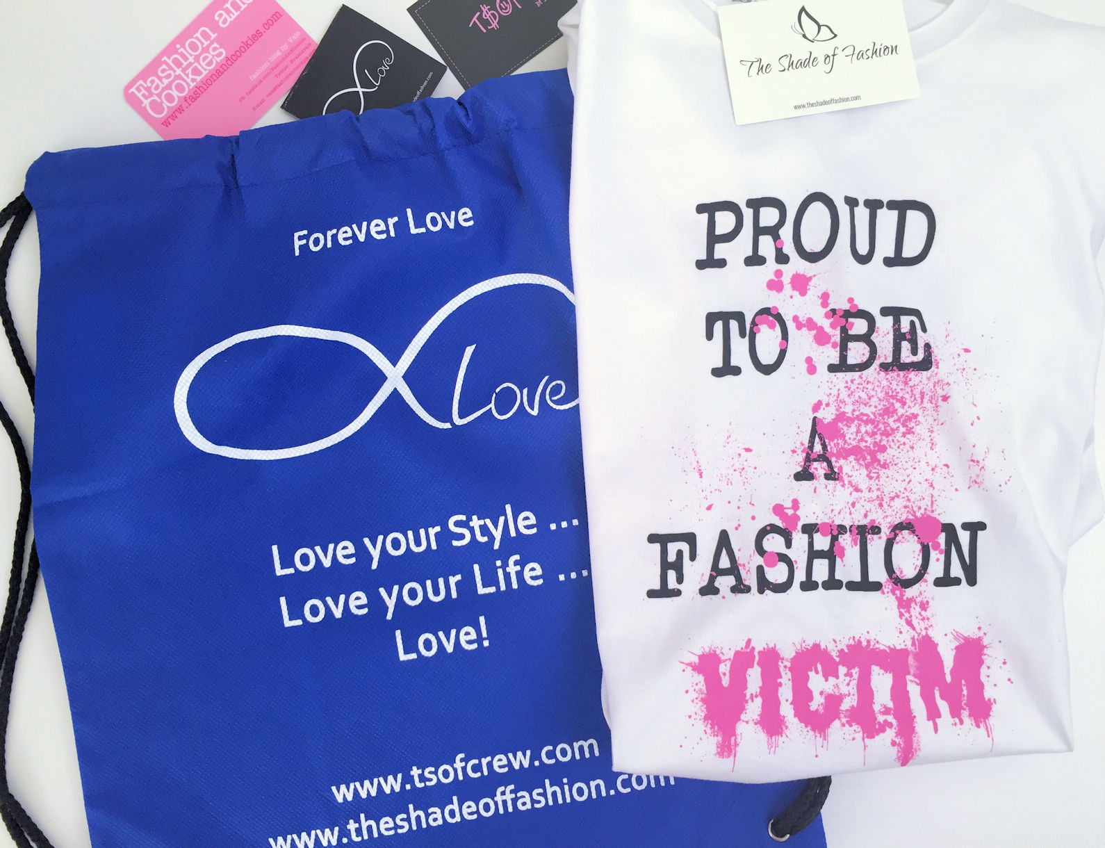 TSoF CREW t-shirt and its packaging on Fashion and Cookies fashion blog, fashion blogger