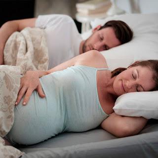 foto crecer feliz blog mimuselina consejos dormir de lado izquierdo noches de verano embarazada