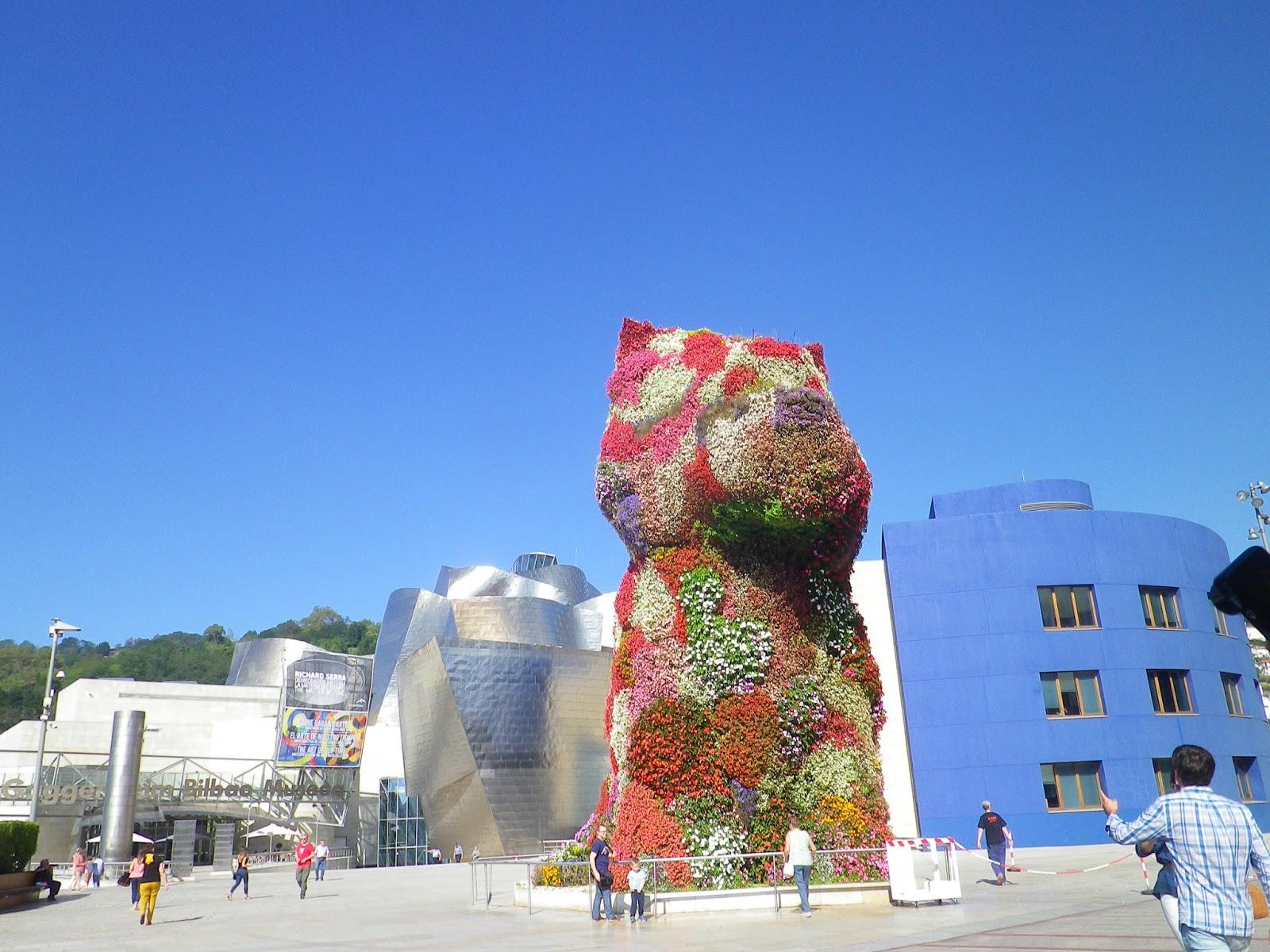Bilbao piesek Muzeum Guggenheima