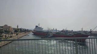 بنزرت انحراف باخرة عملاقة عن مسارها بقنال بنزرت وادارة الميناء تتدخل بنجاعة