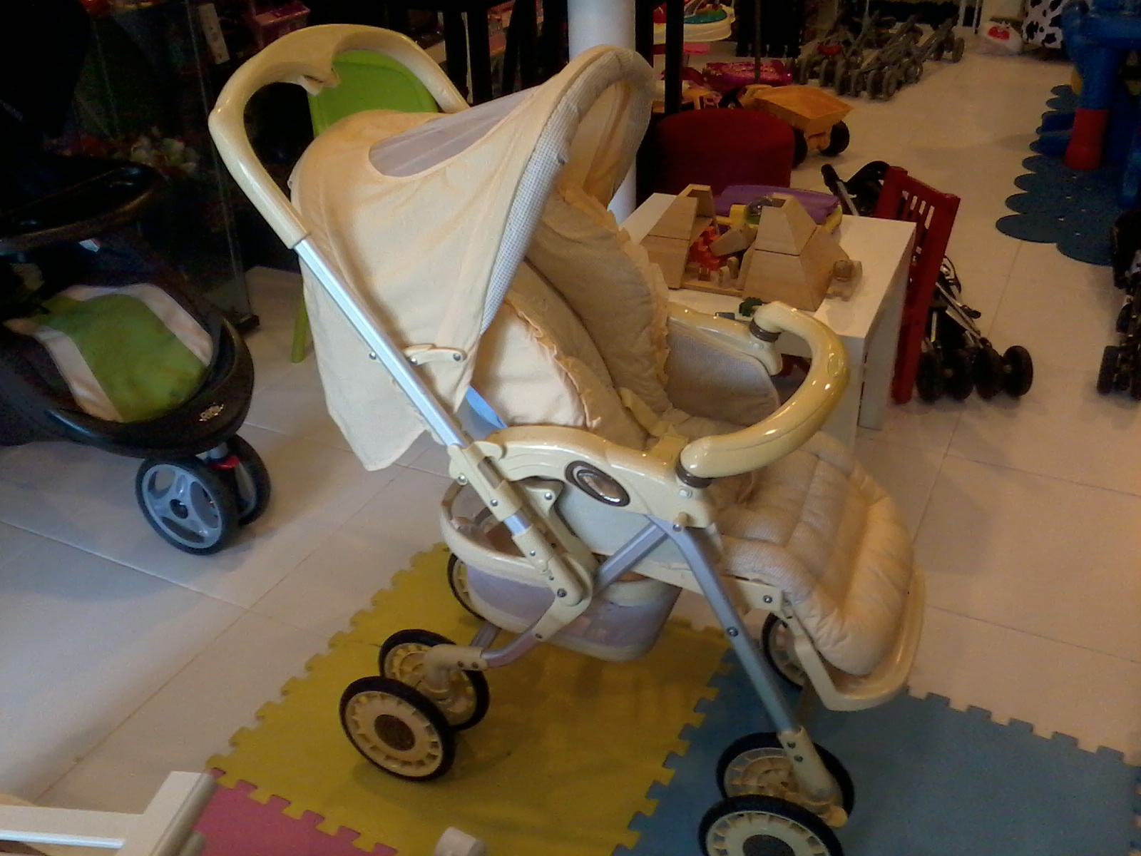 graco winnie the pooh high chair carter brothers scoop aliff preloved store: capella reversible stroller