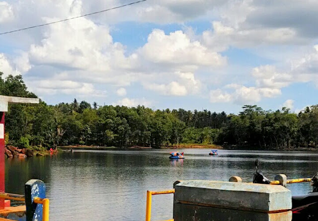 Danau kemuning dengan fasilitas lengkap