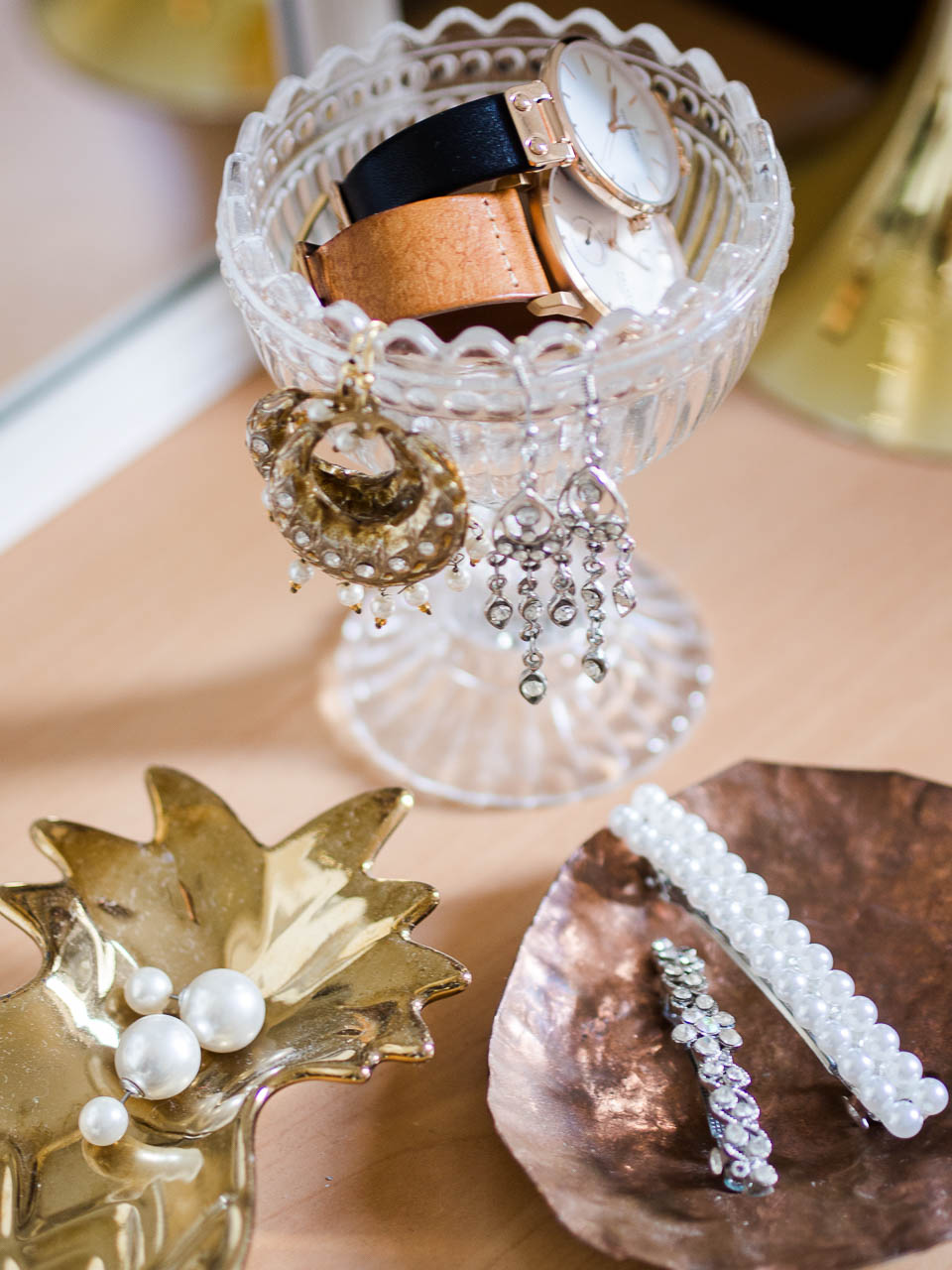 how-to-decorate-with-fashion-accessories