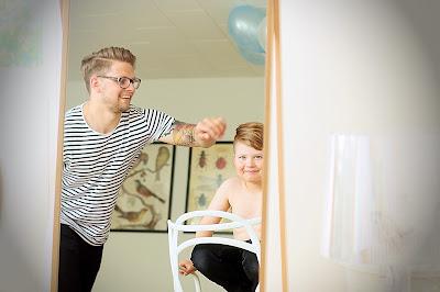 koti-isä isä hoitovapaalla vanhempainvapaalla perhevapaa