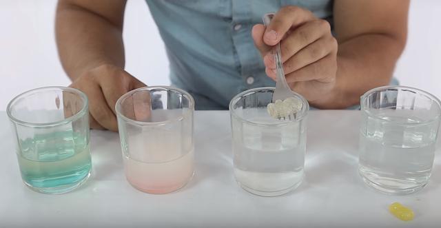 mezcla, experimento, agua, bicarbonato, osito, gominola