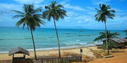 Kendari Beach Tempat Wisata Sekaligus Tempat Favorit Untuk Nongkrong Yang dilengkapi Dengan Keberadaan Cafe-Cafe'di Kawasan ini