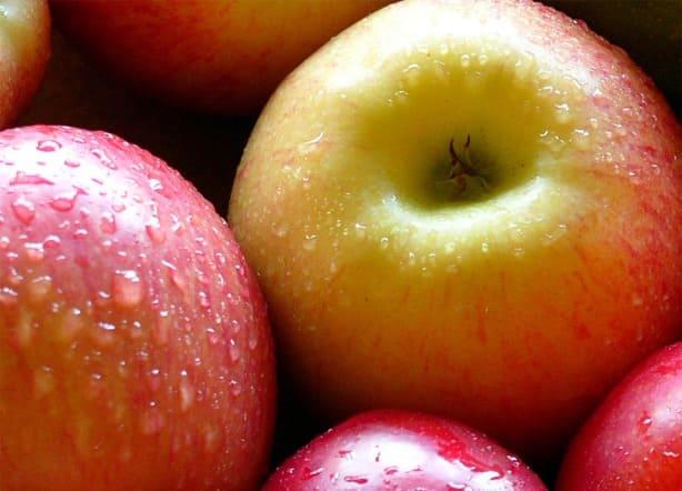 التفاح في السويداء