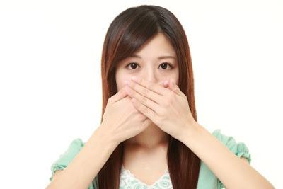 Menghilangkan bau Mulut dan memutihkan Gigi secara Alami, Permanen dengan cepat