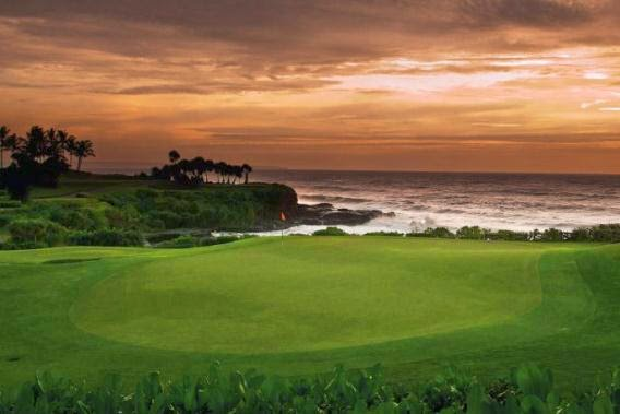 sunset in bali golf course, play golf in Bali, beautiful course in Bali, Bali Handara, country club in bali