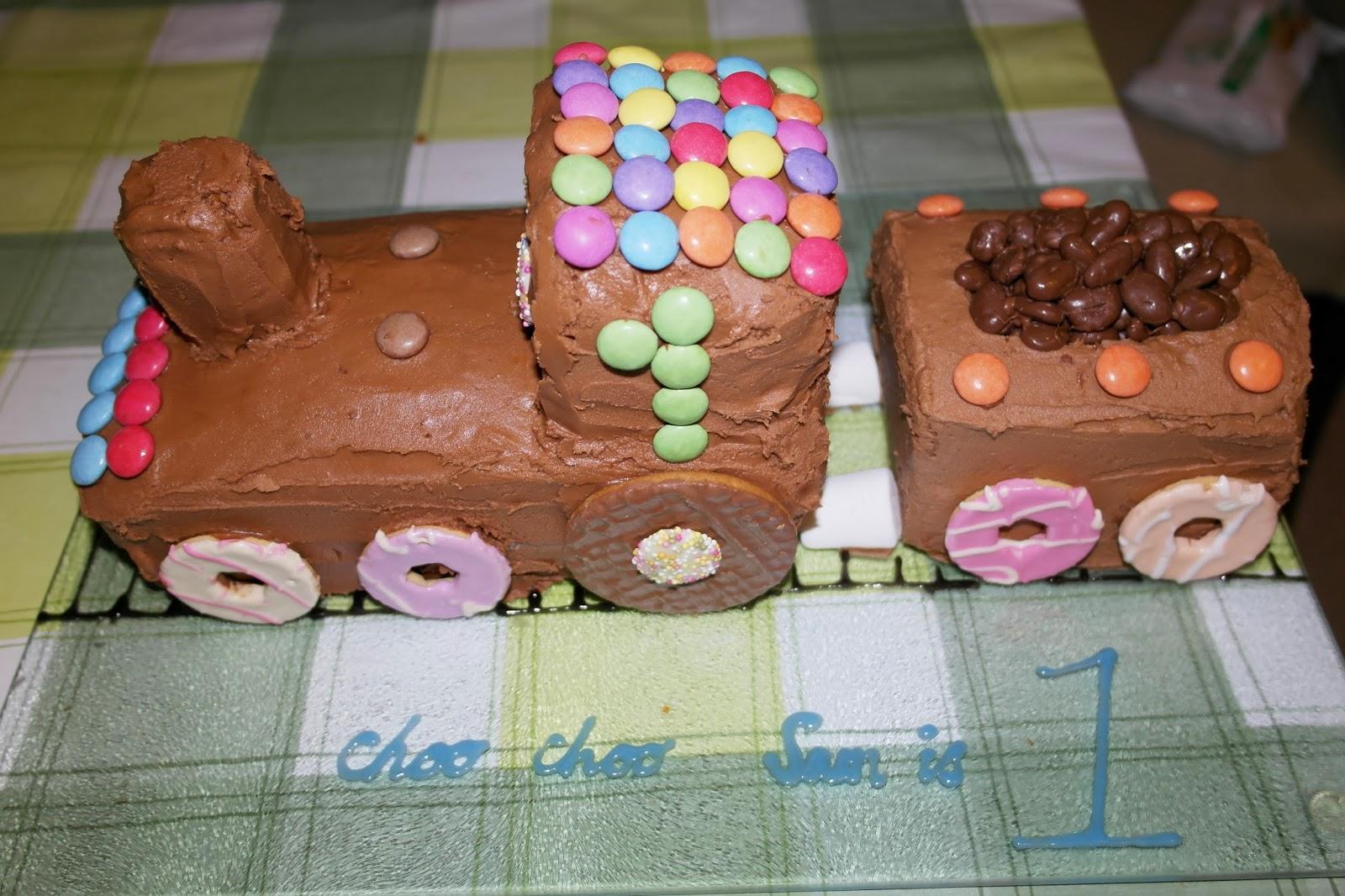 The Handmade Mum How To Make A Childrens Train Cake