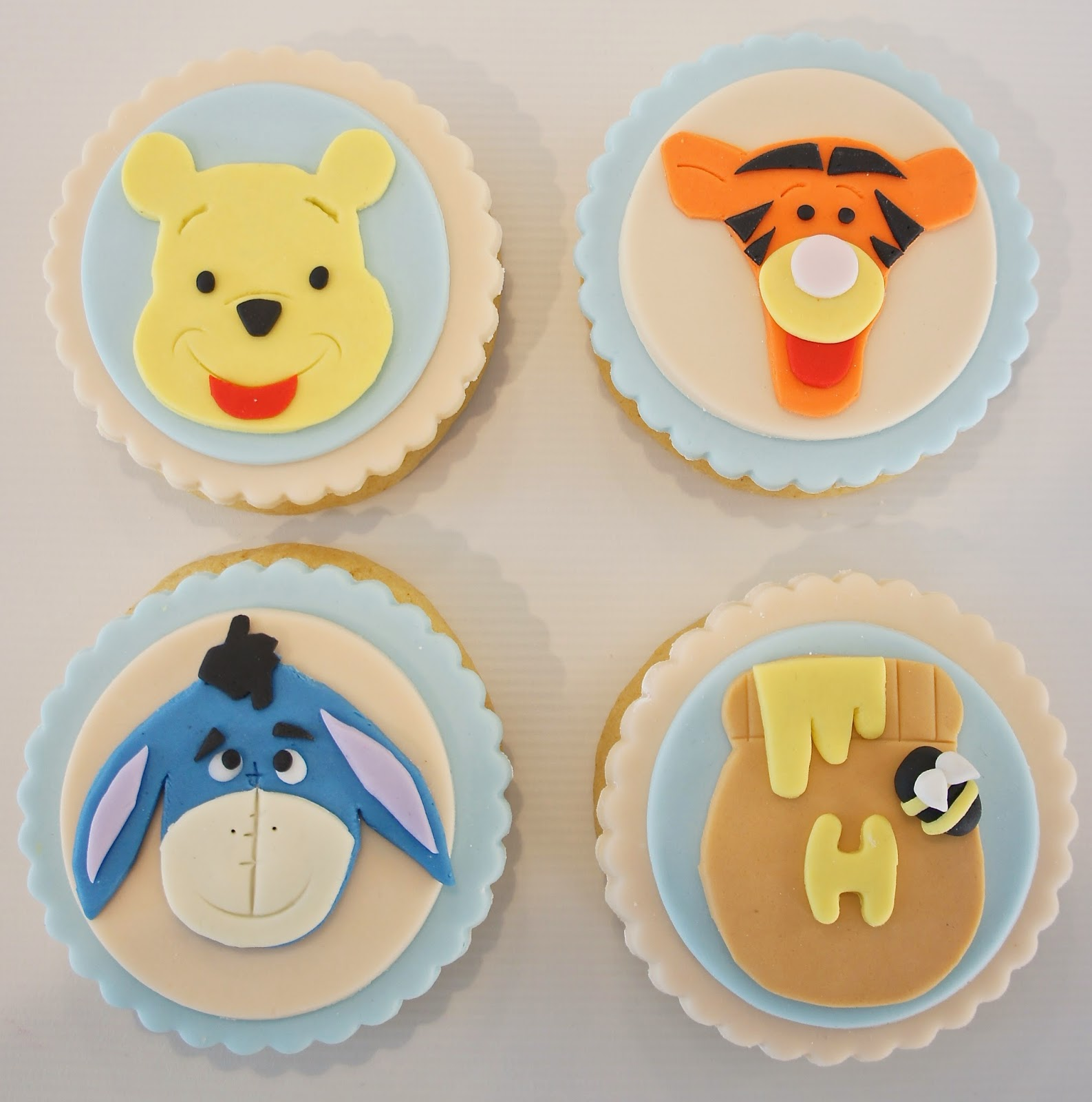 Fondant Cakes and Cookies!