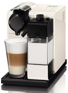 LOW DEALS De'Longhi Nespresso Lattissma Touch Automatic Coffee Machine £139.99 Amazon