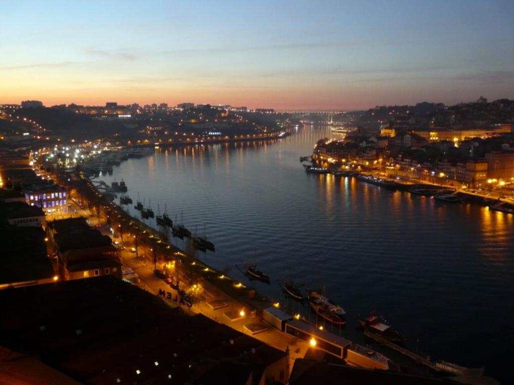 Porto Trindade Hotel Rua De Cam Ef Bf Bdes    Porto Portugal