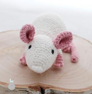 Biała myszka