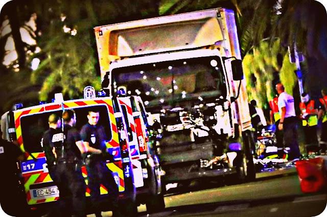 http://www.asalasah.com/2016/07/terorisme-menabrakkan-truck-rawan.html