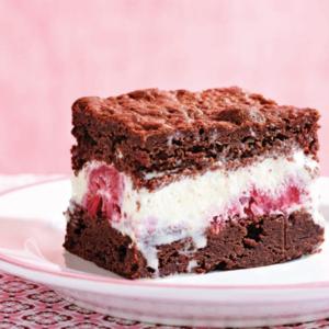 Resep cara membuat brownies sandwich ice cream yang spesial