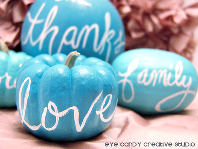paint words on pumpkins, thanksgiving table ideas, craft with pumpkins