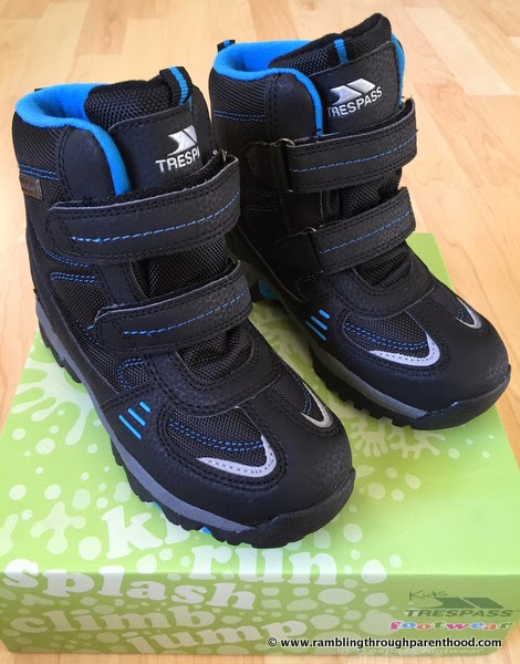 Giz Gaz walking boots by Trespass