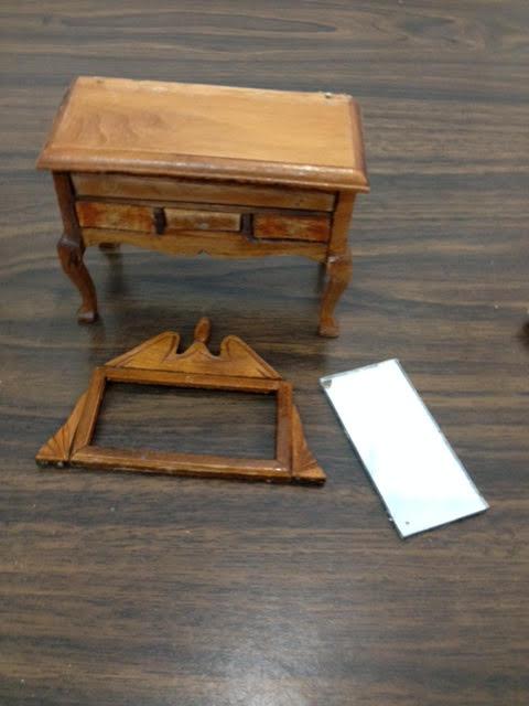 https/drorasminimundo.blogspot.com: A dressing table for ...