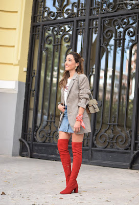 Botas de color rojo